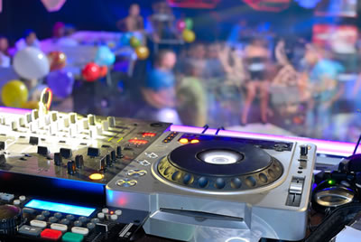 Want to throw a 70s theme party looking for a top party for House music party